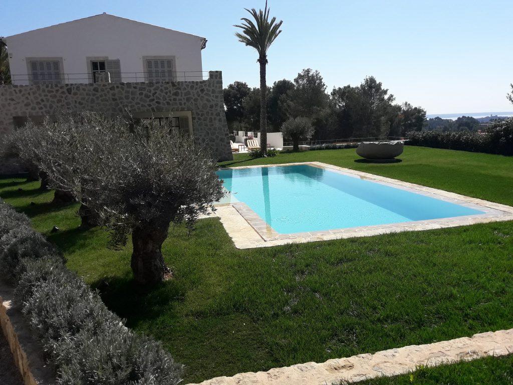 Jardin diseñado por Es Fasser en Mallorca